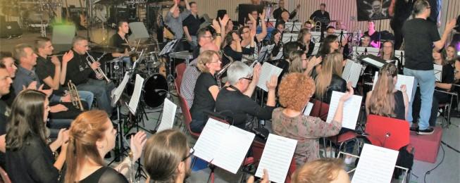 Mi. 14.06.17 Die musikalische Eröffnung des Festes 19.30: Der Musikverein Lyra Gusenburg